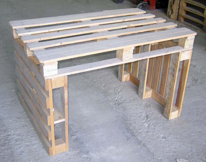 Сделать стол из поддонов своими руками